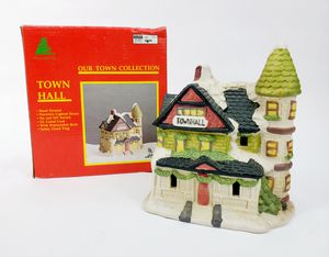 Vintage Lemax/Caldor Christmas Village Building - Town Hall - GUC for Sale in Trenton, NJ