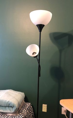 Bedroom/ desk tall lamp for Sale in Fort Lauderdale, FL
