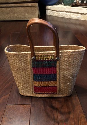 Decorative straw bag - nice for pool or beach for Sale in San Antonio, TX