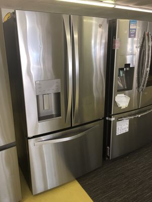 GE profile French Door Refrigerator Scraches Dent With Warranty No Credit Needed Just $39 de Enganche You Take Home Today Cash Price $999 for Sale in Garland, TX