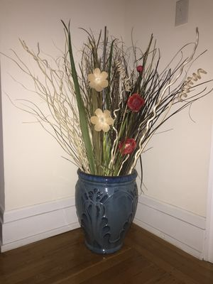 Beautiful, sturdy vase. for Sale in Philadelphia, PA