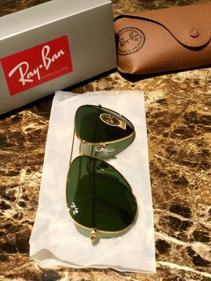 Green lens/Gold frame Ray Ban Aviator Unisex Standard size 58mm Men/Women for Sale in Chicago, IL