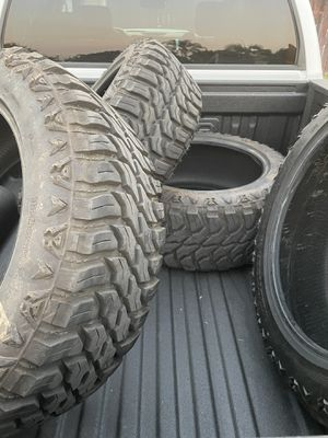 35x12.50R22 for Sale in Anaheim, CA