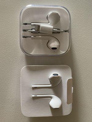Apple Headsets Original for Sale in Alexandria, VA