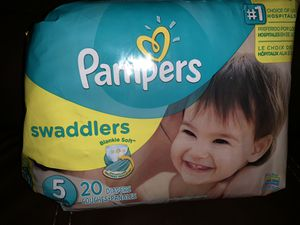 Pampers Swaddlers - Size 5 - 20 count for Sale in Austin, TX