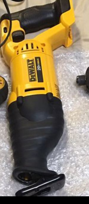 NEW DEWALT 20v Max saw saw for Sale in Ceres, CA