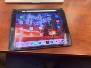 Apple iPad Pro 10.5 WiFi 256 GB (2018) Space Gray for Sale in Nashville, TN