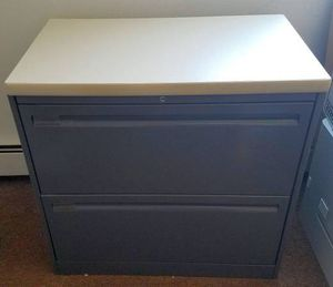 File cabinet with lock & key for Sale in Chicago, IL
