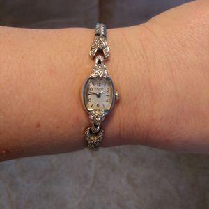 10 Karat Gold, 23 Jewel ,Bulova Watch for Sale in Liscomb, IA