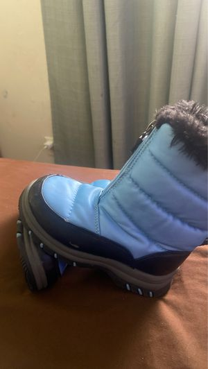 Kids snow boots 11 for Sale in Phoenix, AZ