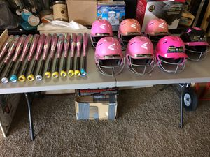 NEW Girls baseball bats and helmets, Easton for Sale in Tampa, FL