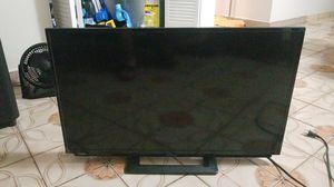 32 inch sharp tv for Sale in Miami, FL