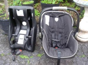 Graco Car seat for Sale in Youngstown, OH