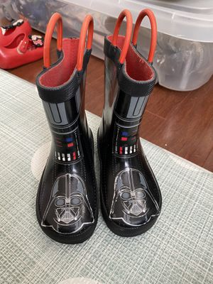 Star Wars Darth Vader Rain Boot Toddler size 7 for Sale in Southwest Ranches, FL