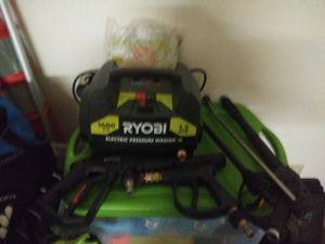 Pressure wash with 2 extra guns and exstiention for Sale in Fort Washington, MD