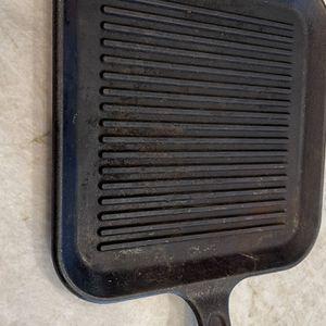 Lodge Square Griddle Cast Iron for Sale in Litchfield Park, AZ
