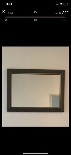 Wall mirror can be used for make up vanity for Sale in Plano, TX