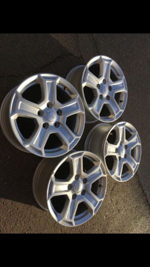 "17"" Factory Jeep wheels 5x5 lug pattern new for Sale in Modesto, CA"