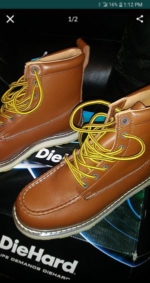 Diehard boots new size 8wide new in box pick up only for Sale in Los Angeles, CA
