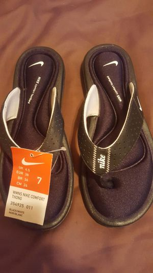 Women's Nike comfort thong for Sale in Tampa, FL