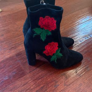 Black Flower Boots Size 8.5 for Sale in Torrance, CA