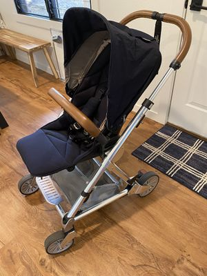 Mamas and papas stroller seat and bassinet for Sale in Kealakekua, HI