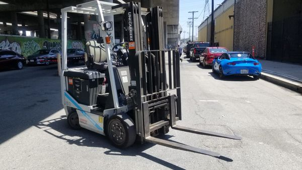 Nissan electric warehouse forklift