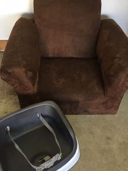Infinity Booster And Brown Kids Chair for Sale in King City,  OR