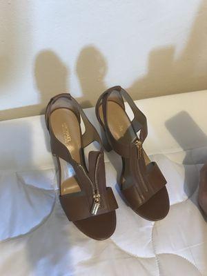 Michael Kors t strap sandal. Size:7 for Sale in San Francisco, CA