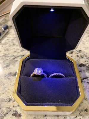 Engagement ring and wedding band set for Sale in Lake Forest, CA