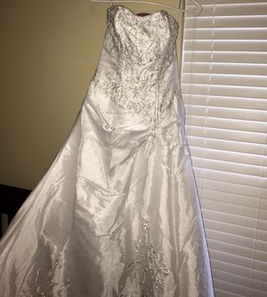 Beautiful Wedding dress for Sale in Peoria, IL