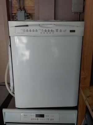 White Kenmore dishwasher with stainless steel tub in excellent working condition for Sale in Kissimmee, FL
