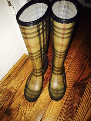 Burberry check rain boots size 35 for Sale in Bronx, NY