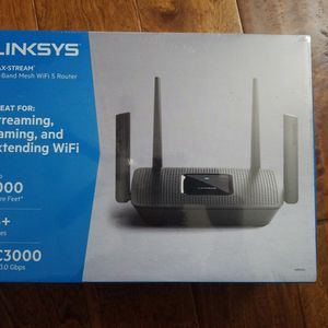 Linksys Max Stream Tri Band WiFi 5 Router MR9000 AC3000 for Sale in San Diego, CA