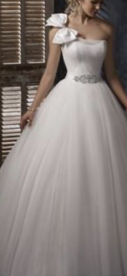 Maggie Sottero 2012 collection wedding dress for Sale in Marietta,  GA