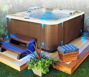 Spa Hot Tub Divine DlL 420 Deluxe for Sale in Ontario, CA