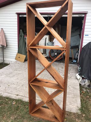 Wany rack wood for Sale in Bartow, FL