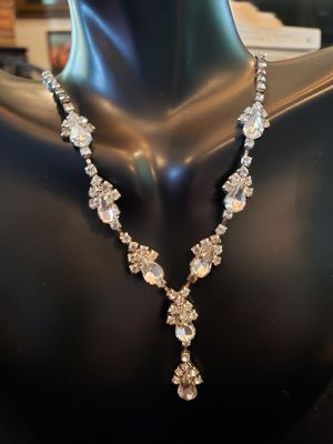 $25! Tear drop vintage rhinestone necklace pendant. 18 inches. for Sale in Indian Shores, FL