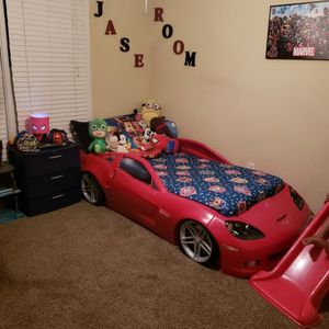car bed with mattress and toy chest for Sale in Ellenwood, GA
