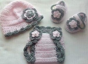 Crochet Baby Girl Diaper Cover Outfit Newborn for Sale in Lyons, GA