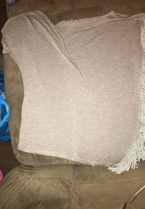 Gray shirt w/ hanging fringe on side for Sale in Columbus, OH