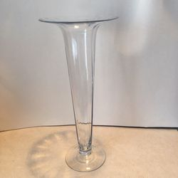 Tall Glass Vase for Sale in Mesquite,  TX