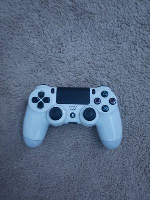 White PS4 Controller for Sale in Anaheim, CA