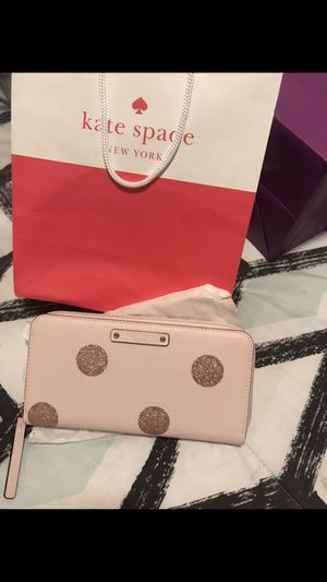 Kate spade pink wallet for Sale in East Los Angeles, CA