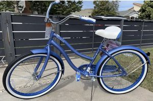 "Huffy 24"" Cranbrook Womens Girls Comfort Cruiser Bike Bicycle Periwinkle Blue for Sale in Chicago, IL"
