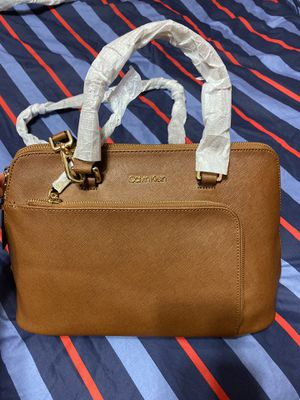 Calvin Klein Purse for Sale in Queens, NY