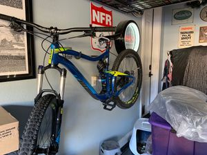 Giant trance 3 mountain bike for Sale in Las Vegas, NV