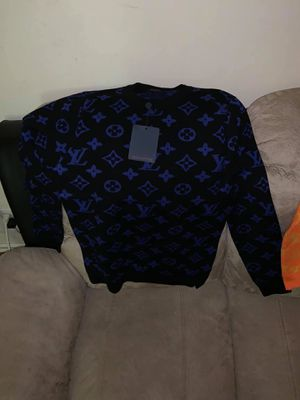 Louis Vuitton Sweater for Sale in St. Louis, MO
