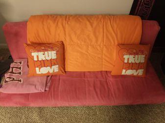 pink futon for Sale in Ballwin,  MO