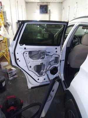 2019 Nissan Murano door glass $300 for Sale in Ellenwood, GA